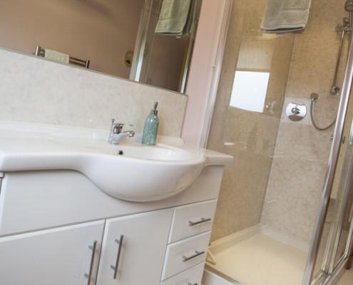 Cottage Bathroom facilities